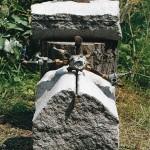 Vrouwen, graniet / oud ijzer