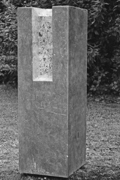 Zonder titel, Belgisch Hardsteen, 50 x 60 x 160, 2005