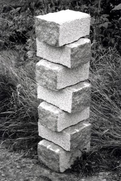 Stapeling 2, graniet, 30 x 30 x 100, 2004